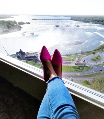 niagara falls view canada pink shoes